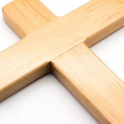 Hochwertige Verleimung beim Holzkreuz.